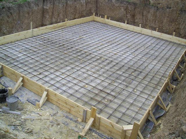 Основные этапы строительства монолитного фундамента
