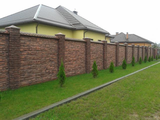 Каменный забор для дачного участка